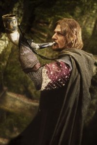 Boromir sonnant dans le cor du Gondor